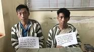 Bị cảnh sát vây bắt, kẻ chở 36 bánh heroin lao đầu vào cột mốc để tự tử