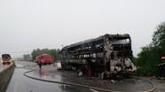 Xe khách bốc cháy trong đêm khi đang lưu thông trên Quốc lộ 1A