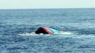 Nghệ An: Một thuyền câu mực bị giông lốc đánh chìm