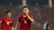 Xem hai bàn thắng của Quang Hải và Công Phượng