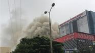 Cháy lớn tại tổ hợp khách sạn, bar, karaoke ở thành phố Vinh