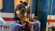 Được bác sĩ hướng dẫn đỡ đẻ qua điện thoại, sản phụ Nghệ An sinh con an toàn trên tàu