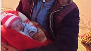 Bé sơ sinh 10 ngày tuổi ở Nghệ An bị bỏ bên vệ đường giữa đêm lạnh giá