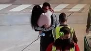 Khoảnh khắc hạnh phúc của Messi và vợ sau thành công tại Copa America 2021