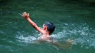 Nghệ An: Hai bé trai chết đuối thương tâm khi đi tắm đập