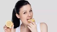 10 mẹo làm đẹp hữu ích trong mùa hè chỉ với một quả chanh