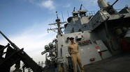 Trung Quốc triển khai tàu chiến và máy bay khi chiến hạm Mỹ tiến vào Biển Đông