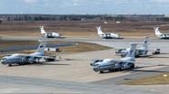 Nga điều máy bay quân sự đưa hàng cứu trợ Covid-19 đến Mỹ