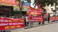"""""""Căng băng rôn"""" bùng phát ở chung cư Hà Nội sau vụ cháy Carina"""