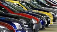 """Bộ trưởng Trần Tuấn Anh bối rối khi """"thuế 0%, giá xe vẫn tăng"""""""
