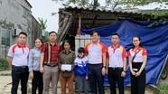 Trao 200 triệu đồng hỗ trợ người dân Nghệ An có hoàn cảnh đặc biệt khó khăn bị thiên tai