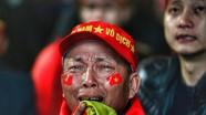 Giọt nước mắt tiếc nuối của người hâm mộ  Việt Nam