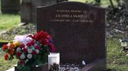 Cựu đại tá tình báo Nga bị đầu độc bằng bó hoa viếng mộ vợ?