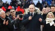 Ông Putin hát quốc ca Nga cùng 130.000 người ủng hộ