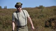 Công bố hình ảnh Tổng thống Putin leo núi, hái nấm trong kỳ nghỉ ở Tuva