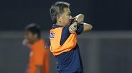 HLV trưởng U18 Hoàng Anh Tuấn từ chức; Barca mất Messi trong trận mở màn La Liga