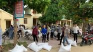 Gần 1.300 học sinh 2 huyện miền núi Nghệ An được Chính phủ hỗ trợ gạo