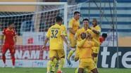 Nam Định - SLNA (3-0): Đội khách đang cạn dần ý tưởng