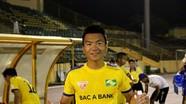 Cựu tiền vệ SLNA đầu quân cho Bình Phước