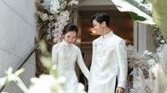 Công Phượng tổ chức đám cưới trên sân bóng ở quê; Quang Hải trở thành sinh viên
