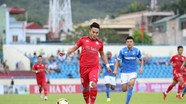 Phi Sơn nhận thẻ đỏ, đội bóng tân chủ tịch Hữu Thắng tiếp tục thua