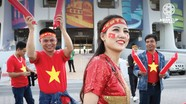 Ngắm những CĐV xinh đẹp Việt Nam và châu Á tại khán đài Asian Cup 2019