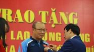 Nhận vinh dự đặc biệt, HLV Park Hang-seo cảm ơn nhân dân Việt Nam