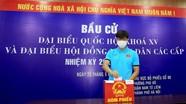 Video: Tuyển thủ Việt Nam phấn khởi đi bỏ phiếu bầu cử
