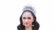 Hương Giang quyến rũ trong tiệc mừng đăng quang Hoa hậu