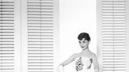 8 bí quyết mặc đẹp không bao giờ lỗi mốt từ huyền thoại Audrey Hepburn