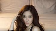 Hương Tràm tung bộ ảnh gợi cảm đón sinh nhật tuổi 23
