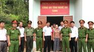 Bàn giao nhà đại đoàn kết cho hộ nghèo ở Quỳ Hợp, Quỳnh Lưu