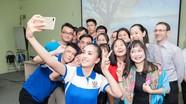 Hoa hậu Trần Tiểu Vy được trao học bổng 600 triệu đồng