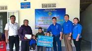 Hoạt động hỗ trợ học sinh nghèo vượt khó