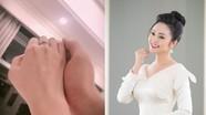 'MC có nụ cười đẹp nhất VTV' sẽ kết hôn trước Tết với bạn trai kém 5 tuổi