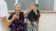 Bà cụ 86 tuổi quyết ly hôn ông chồng 'cả đời không một lần rửa bát'