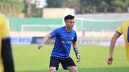 Cựu tuyển thủ Dương Hồng Sơn tin vào khả năng Nguyên Mạnh bắt chính ở chung kết King's Cup