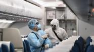 Bác sĩ nói gì về nguy cơ đi chung máy bay với người nhiễm Covid -19?