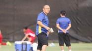 Thầy Park rối bời vì Covid; Tạm dừng V.League đến hết tháng 3