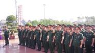 Bộ CHQS tỉnh Nghệ An dâng hoa tưởng niệm Chủ tịch Hồ Chí Minh