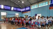Hơn 90 vận động viên tham dự giải vô địch đẩy gậy tỉnh Nghệ An