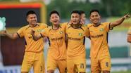 Hậu vệ SLNA Nguyễn Sỹ Nam và một mùa giải đáng nhớ