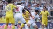 Kiatisak: 'Vượt qua Hà Nội, HAGL đã viết một trang sử mới'; Văn Lâm nói gì khi ra mắt Cerezo Osaka?