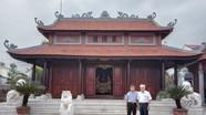 Độc đáo một nhà thờ ở xứ Nghệ thờ chung 2 dòng họ