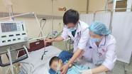 Bé gái 3 tuổi ở Nghệ An tử vong, bệnh viện đùn đẩy trách nhiệm