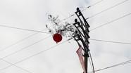 Nguy cơ mất an toàn lưới điện từ những cây nêu ngày Tết