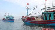 Lai dắt tàu cá hỏng máy và 16 ngư dân vào bờ an toàn  
