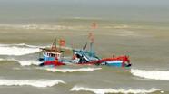 Nghệ An: 4 thuyền bị nhấn chìm trên biển do lốc xoáy được cứu vớt an toàn  