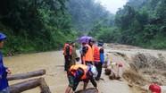 BĐBP Nghệ An giúp nhân dân biên giới khắc phục hậu quả mưa lũ  