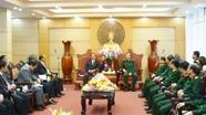Đoàn đại biểu tỉnh Sa vẳn na khệt (Lào) thăm và làm việc tại Quân khu 4